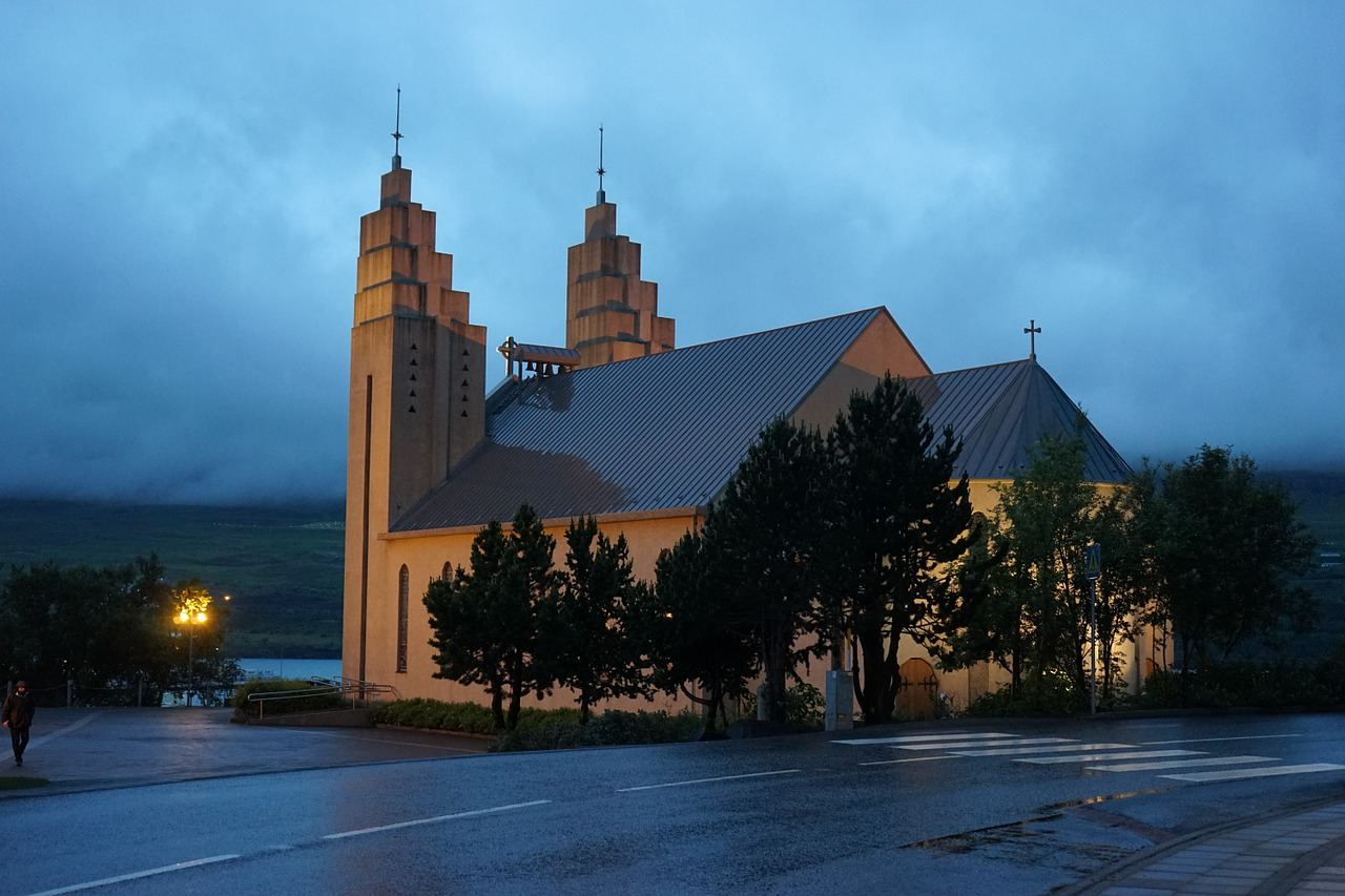 Akureyri church at night